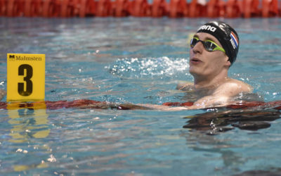 """""""Zwemmen doe je met het lijf dat je hebt. In het water voel ik vrijheid"""""""